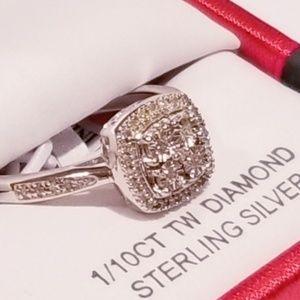 1/10 CT. T.W. Genuine Diamond Ring